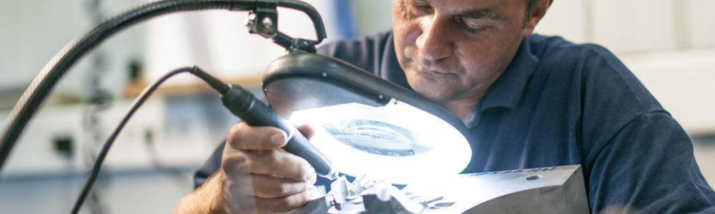 Laserschweißtechnik, Maschinen reparieren lassen